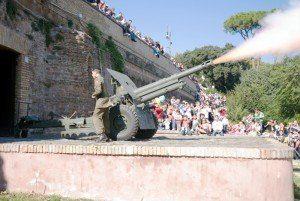 Wzgórze Ganicolo - strzał z armaty