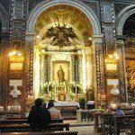 Zdjęcie kaplicy Madonny Cudu w kościele Sant'Andrea delle Fratte w Rzymie